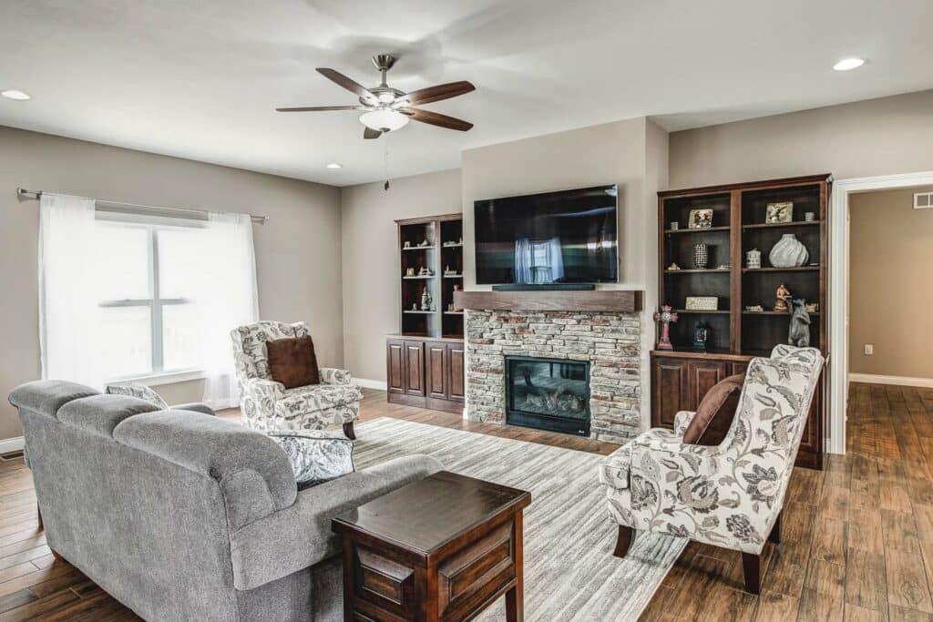 newburgh-custom-home-reinbrecht-homes-family-room